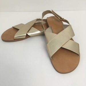 American Eagle Outfitters gold sandals size 5